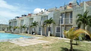 Apartamento En Ventaen Tucacas, Tucacas, Venezuela, VE RAH: 17-14265