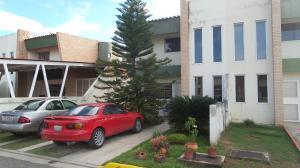 Townhouse En Ventaen Municipio San Diego, Sabana Del Medio, Venezuela, VE RAH: 17-14295