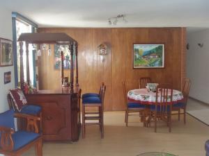 Apartamento En Venta En Caracas - Los Palos Grandes Código FLEX: 17-14312 No.6