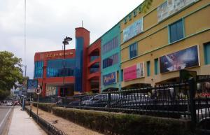 Local Comercial En Ventaen Maracay, Las Delicias, Venezuela, VE RAH: 17-14350
