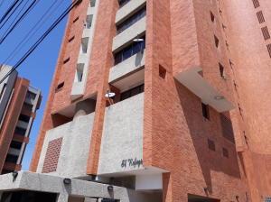 Apartamento En Alquileren Maracaibo, La Lago, Venezuela, VE RAH: 17-14499