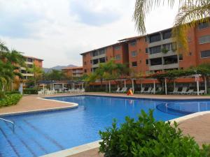 Apartamento En Ventaen Guatire, Sector San Pedro, Venezuela, VE RAH: 17-14505