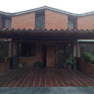 Casa En Ventaen Guarenas, Nueva Casarapa, Venezuela, VE RAH: 17-14573