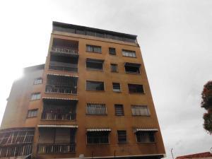 Apartamento En Ventaen Caracas, Los Chaguaramos, Venezuela, VE RAH: 18-13
