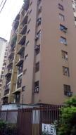 Apartamento En Ventaen Maracay, Urbanizacion El Centro, Venezuela, VE RAH: 17-14764