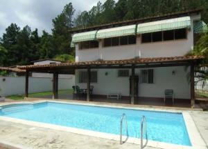 Casa En Ventaen Caracas, La Lagunita Country Club, Venezuela, VE RAH: 17-8925