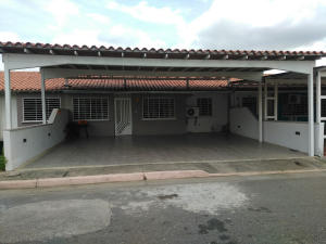 Casa En Ventaen Acarigua, Lomas De Santa Sofia, Venezuela, VE RAH: 17-14688