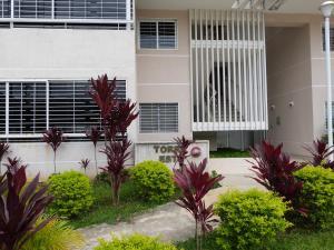 Apartamento En Venta En Caracas - Bosques de la Lagunita Código FLEX: 17-14747 No.3
