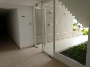 Apartamento En Venta En Caracas - Bosques de la Lagunita Código FLEX: 17-14747 No.5