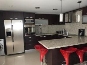 Apartamento En Venta En Caracas - Bosques de la Lagunita Código FLEX: 17-14747 No.8