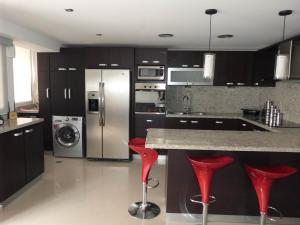 Apartamento En Venta En Caracas - Bosques de la Lagunita Código FLEX: 17-14747 No.9