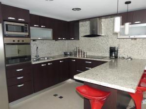 Apartamento En Venta En Caracas - Bosques de la Lagunita Código FLEX: 17-14747 No.7