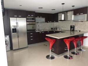 Apartamento En Venta En Caracas - Bosques de la Lagunita Código FLEX: 17-14747 No.10