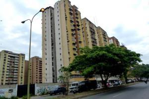 Apartamento En Ventaen Maracay, Urbanizacion El Centro, Venezuela, VE RAH: 17-14753