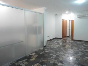 En Venta En Caracas - La Boyera Código FLEX: 17-14773 No.2
