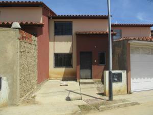 Townhouse En Ventaen Margarita, El Valle, Venezuela, VE RAH: 17-14818
