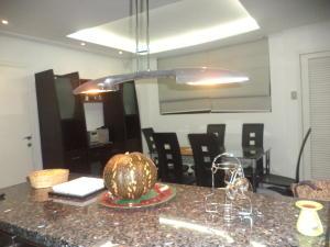 Apartamento En Ventaen Maracaibo, Santa Rita, Venezuela, VE RAH: 17-14854