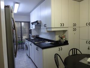 Apartamento En Venta En Caracas - Los Dos Caminos Código FLEX: 17-14949 No.6