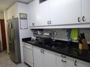 Apartamento En Venta En Caracas - Los Dos Caminos Código FLEX: 17-14949 No.8