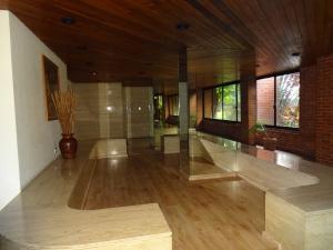 Apartamento En Venta En Caracas - Los Dos Caminos Código FLEX: 17-14949 No.1