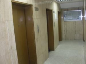 En Venta En Caracas - Parroquia La Candelaria Código FLEX: 17-14906 No.3
