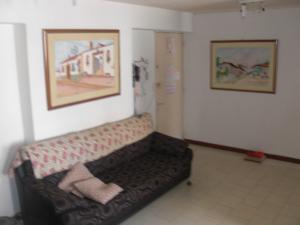 En Venta En Caracas - Parroquia La Candelaria Código FLEX: 17-14906 No.4