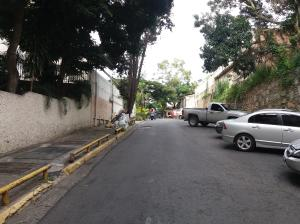 Apartamento En Venta En Caracas En Prados del Este - Código: 17-14983