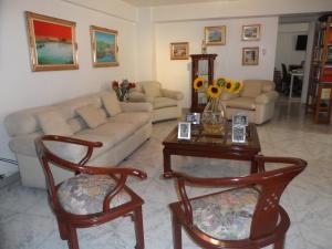 Apartamento En Venta En Caracas - Santa Fe Norte Código FLEX: 17-14977 No.2