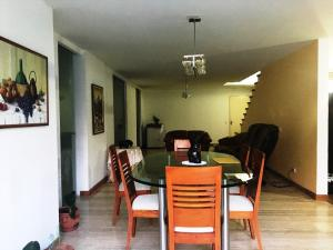 Apartamento En Venta En Caracas - Villa Nueva Hatillo Código FLEX: 17-14988 No.2