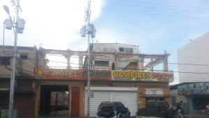 Local Comercial En Ventaen Ciudad Ojeda, Avenida Bolivar, Venezuela, VE RAH: 17-14990