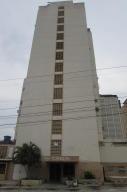 Apartamento En Ventaen Maracaibo, Avenida Bella Vista, Venezuela, VE RAH: 17-15027