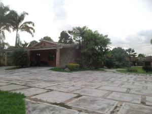 Casa En Ventaen Valencia, Safari Country Club, Venezuela, VE RAH: 17-15138