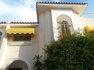 Townhouse En Ventaen Maracaibo, Lago Mar Beach, Venezuela, VE RAH: 17-15044