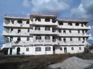 Edificio En Ventaen Barquisimeto, Parroquia El Cuji, Venezuela, VE RAH: 17-15073