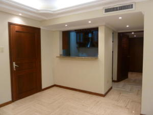 Apartamento En Alquileren Maracaibo, Avenida Milagro Norte, Venezuela, VE RAH: 17-15084
