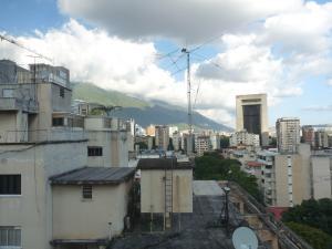Apartamento En Venta En Caracas - Bello Campo Código FLEX: 17-15140 No.14