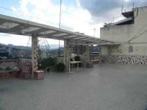 Apartamento En Venta En Caracas - Bello Campo Código FLEX: 17-15140 No.17