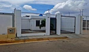 Casa En Ventaen Punto Fijo, Pedro Manuel Arcaya, Venezuela, VE RAH: 17-15145
