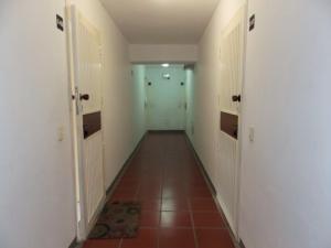Apartamento En Venta En Caracas - Lomas del Avila Código FLEX: 17-15160 No.1
