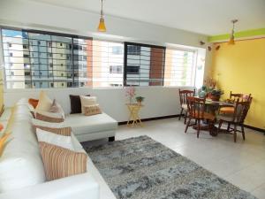 Apartamento En Venta En Caracas - Lomas del Avila Código FLEX: 17-15160 No.5