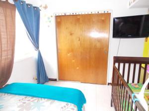 Apartamento En Venta En Caracas - Lomas del Avila Código FLEX: 17-15160 No.16