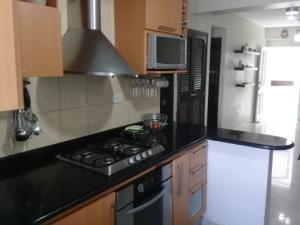 Apartamento En Ventaen Maracaibo, Avenida Goajira, Venezuela, VE RAH: 17-15185
