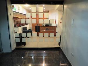 Oficina En Venta En Caracas - Los Palos Grandes Código FLEX: 17-15208 No.3