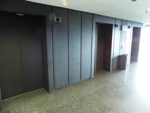 Oficina En Venta En Caracas - Los Palos Grandes Código FLEX: 17-15208 No.2