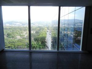 Oficina En Venta En Caracas - Los Palos Grandes Código FLEX: 17-15208 No.1