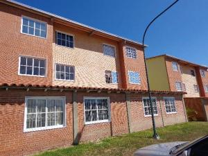 Apartamento En Ventaen Guatire, Alto Grande, Venezuela, VE RAH: 17-15394