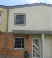 Townhouse En Ventaen Valencia, Rafael Urdaneta, Venezuela, VE RAH: 17-15237