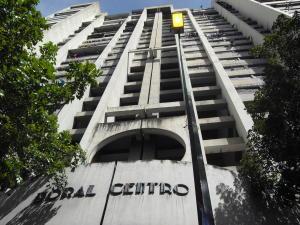 Apartamento En Ventaen Caracas, Parroquia La Candelaria, Venezuela, VE RAH: 17-15346