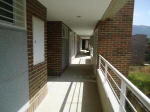 Apartamento En Venta En Caracas - Escampadero Código FLEX: 17-15383 No.2