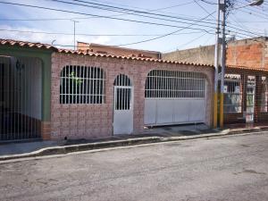 Casa En Ventaen El Consejo, Bosque Lindo, Venezuela, VE RAH: 17-15419